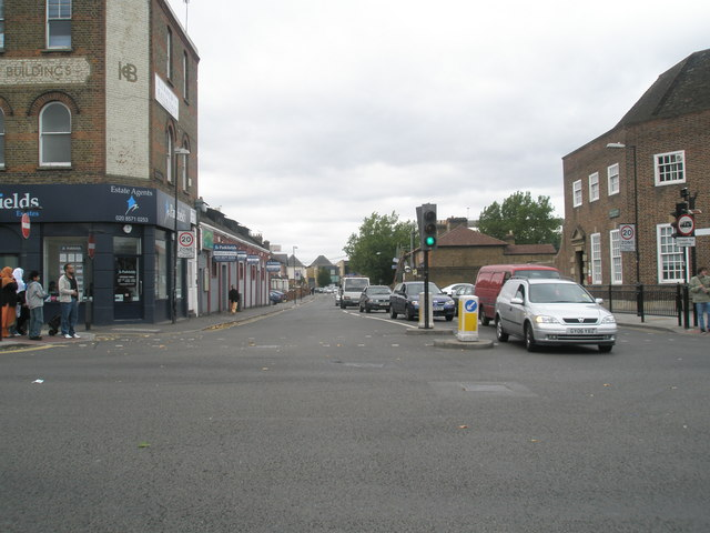 Looking across the crossroads from Park Avenue into Beaconsfield Road