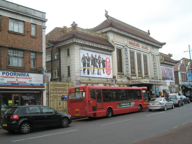 Bus outside the cinema in South Road