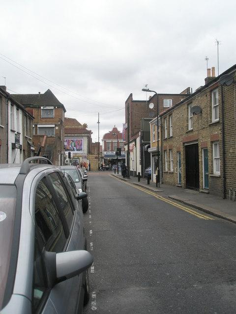 Looking along Hamilton Road towards South Road