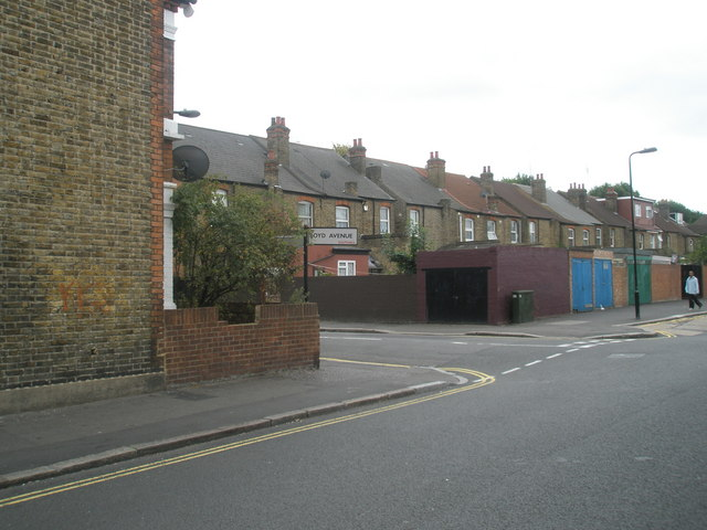 Junction of Boyd Avenue and Avenue Road