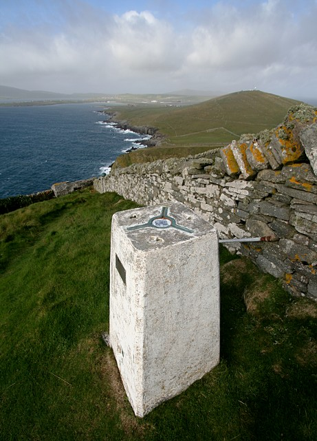 Up the coast towards Jarlshof from the Sumburgh Head trig. point