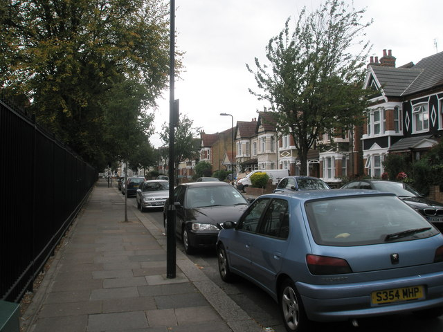 Autumn in Villiers Road