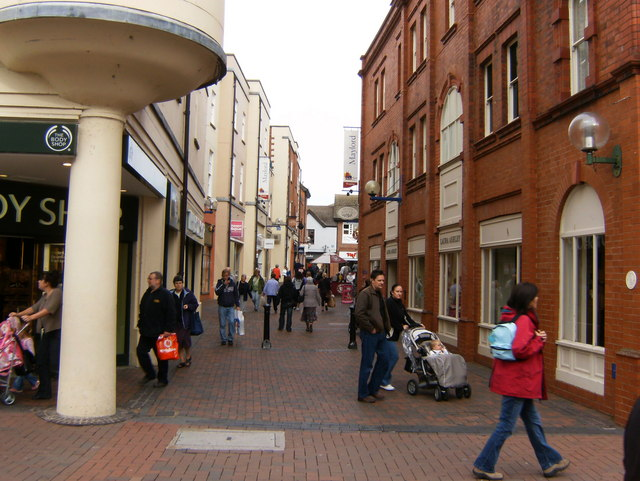 Pedestrian area leading to the Maylord Centre