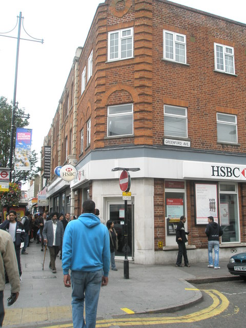HSBC at the junction of Greenford Avenue and The Broadway