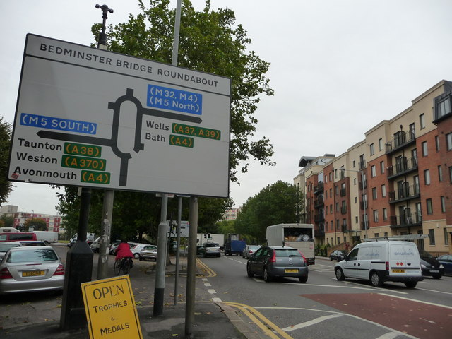 Bristol : Bedminster Parade & Road Sign