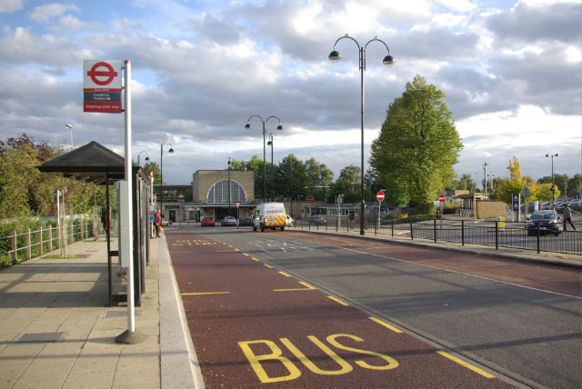 Station Approach, Loughton