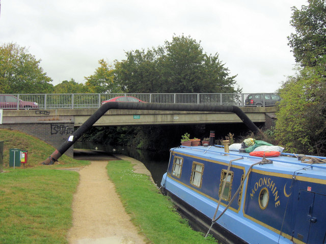 Grand Union Canal: Bridge No 140, Northchurch