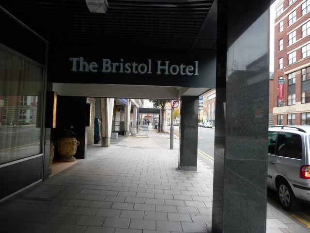 Bristol : The Bristol Hotel Entrance
