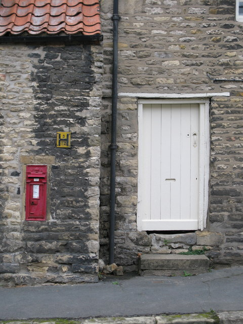 Thornton-le-Dale Postbox