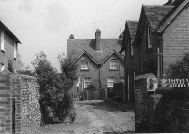 Cottages off from West Street in 1976