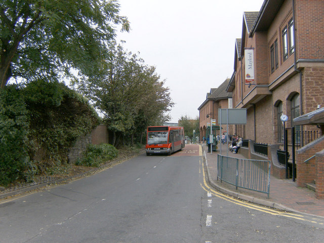 Maylord Centre bus stops