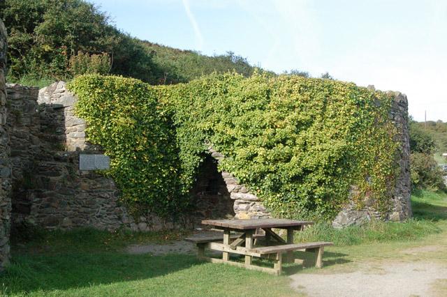 Picnic table and lime kilns, Porthclais