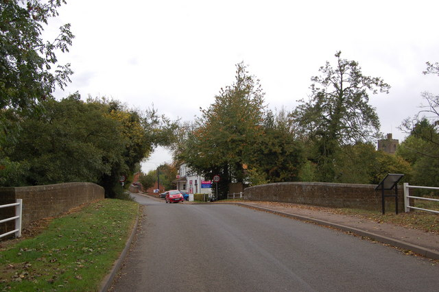 Cropredy bridge over the River Cherwell