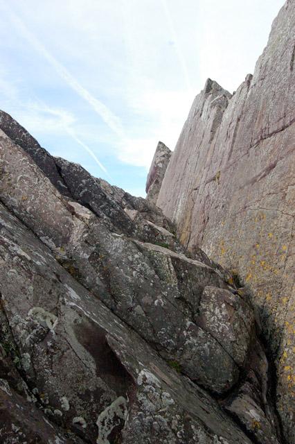 Rockface east of Porthclais (2)