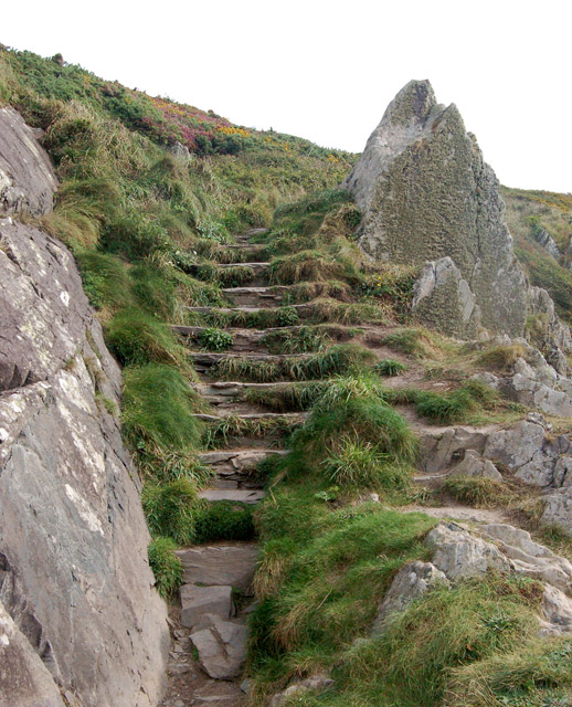 Steps down to the quay and breakwater, Porthclais