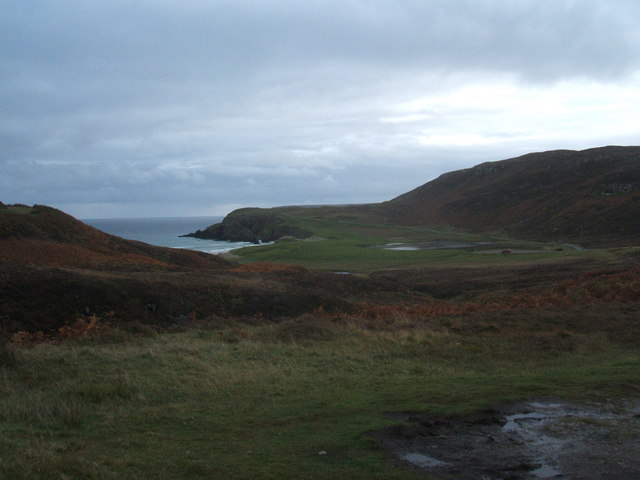 Behind the beach , Traigh Ghearadha, Tolsta