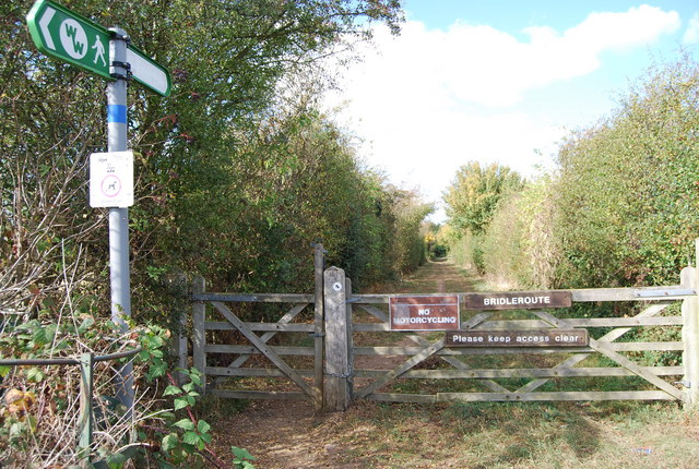 Bridleway off Lower Haysden Lane into Haysden Country Park