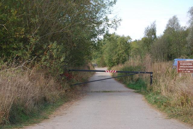 Path to Haysden Lake from Lower Haysden Lane