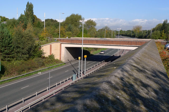 Bridge carrying Etchells Road across Kingsway South