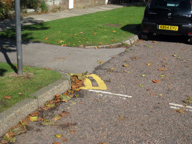 Shortest Double Yellow Lines?