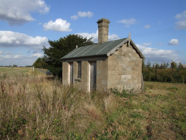 Disused Building  (Railway ?)