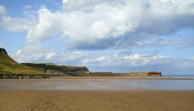 Skinningrove beach and jetty