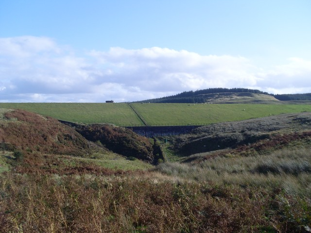 The dam of Burn Crooks Reservoir