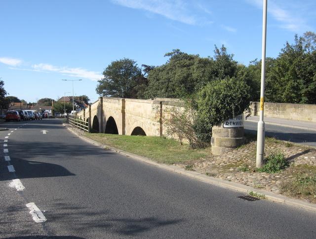 The two Ayton bridges
