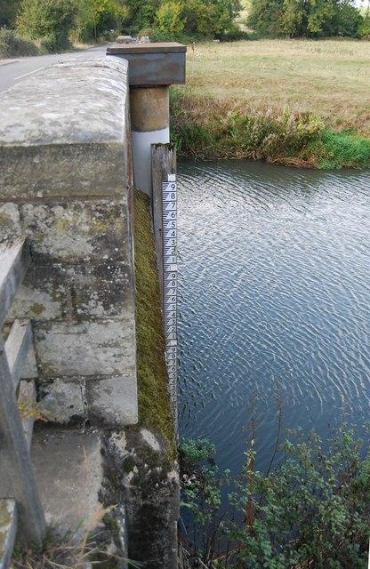 Flood level Measure, Ensfield Bridge
