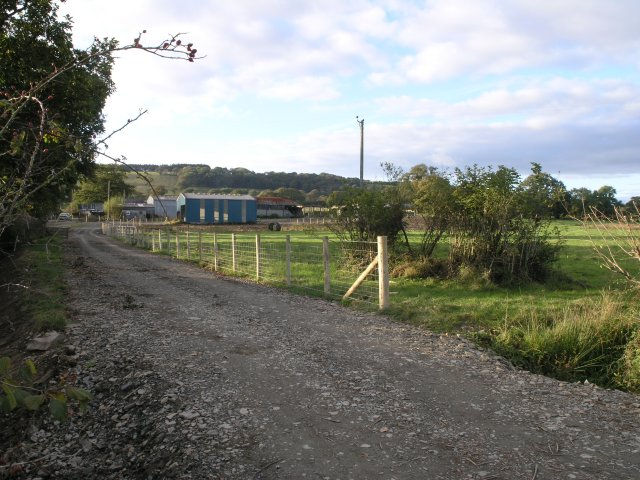 Farm lane leading to Tre-Waun-isaf farm
