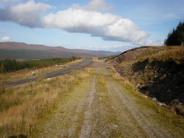 Coire an Eòin track and Windfarm road junction
