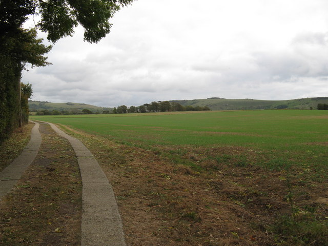 Footpath and farm road to Perching Sands Farm