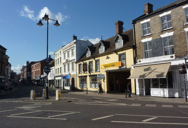 Looking across Louth Road into the High Street