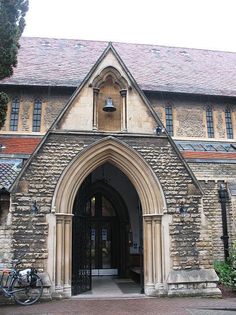 St Luke's church, Kew - south porch