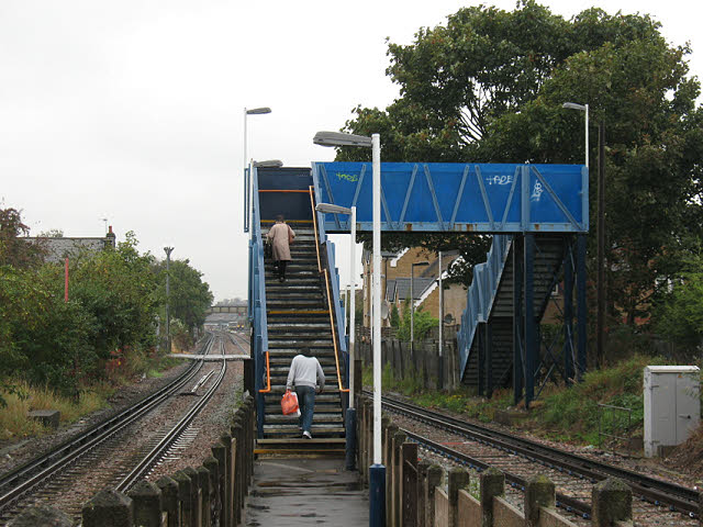 North Sheen station: footbridge