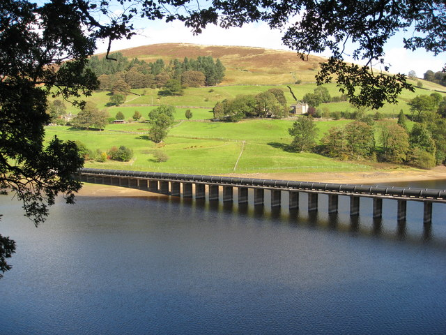 Ladybower Reservoir - Derwent Aqueduct