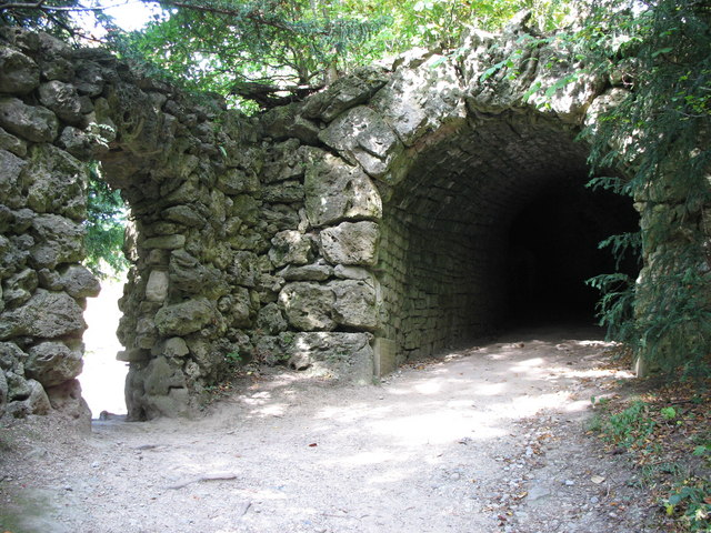 Studley Serpentine Tunnel
