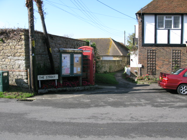 Footpath leading from The Street, Newington