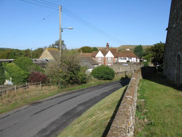 Home Farm and houses of Newington