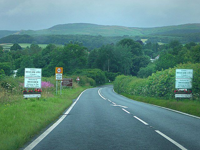 A44 approaching Rhayader from the east