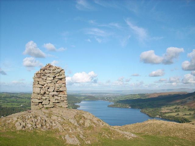 The obelisk on the summit of Hallin Fell