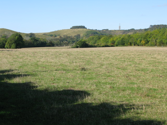 Looking NW from footpath past Home Farm