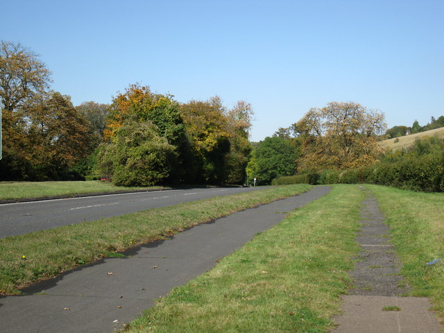 Road, cycle path and footpath on A24