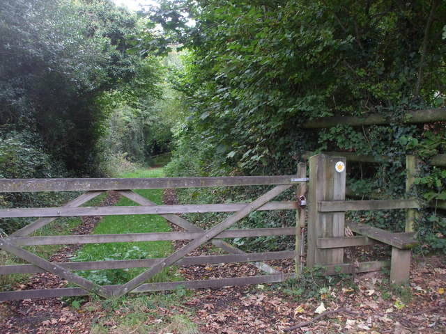 Gate & stile to footpath, Rudry Rd, Cardiff