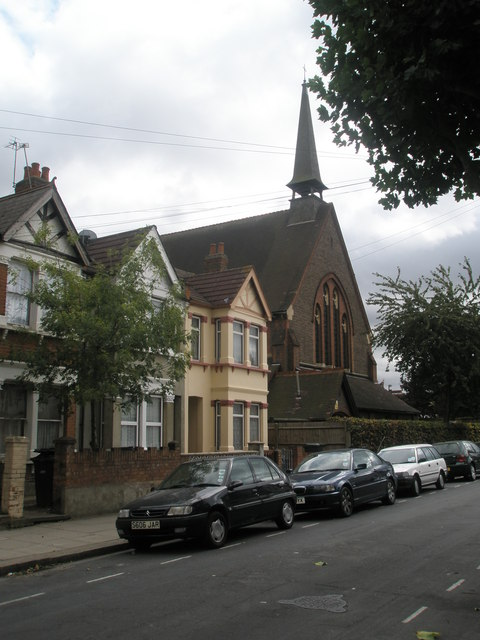Houses adjoining St George's Church in Tudor Road