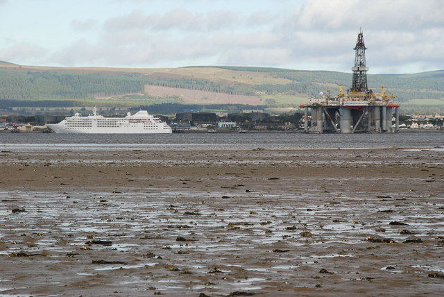 Mudflats and Oil Rig