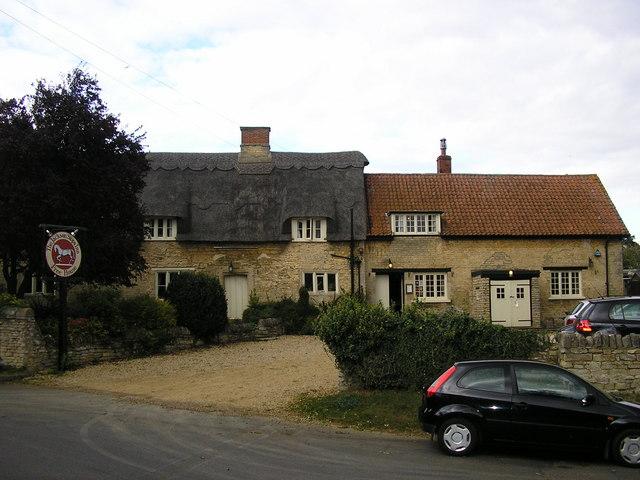 The Jackson Stops Inn, Stretton
