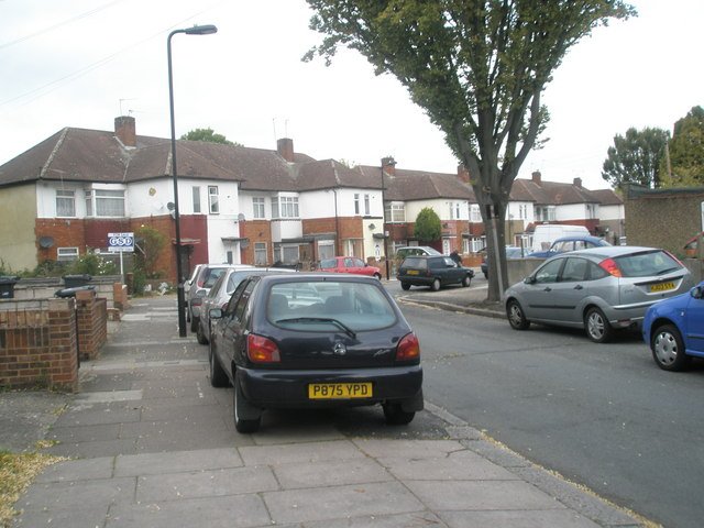 Livingstone Road merges into Alma Road