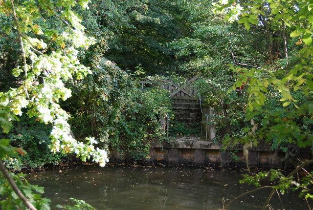 Landing Stage by Sharpe's Bridge, Haysden Country Park