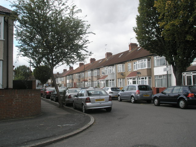 Looking back from Stanley Road into Alma Road